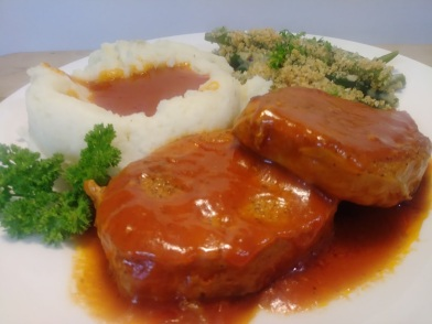 Pork chops in tomato sauce2