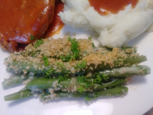 Green bean casserole breaded topped1